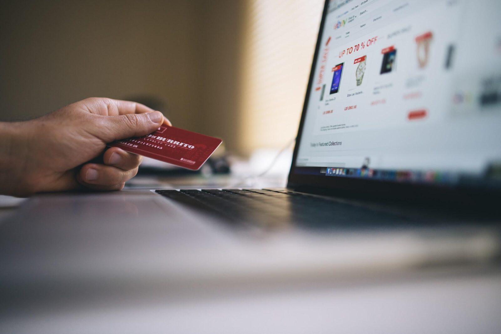 Descubra 13 segredos para poupar dinheiro nas compras online 2